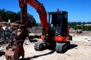 civil earthworks services brisbane and sunshine coast - excavator hire qld