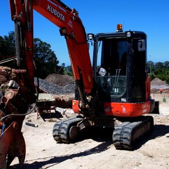 civil earthworks services brisbane and sunshine coast - excavator hire qld