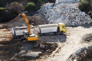 excavator hire brisbane - rock walls brisbane